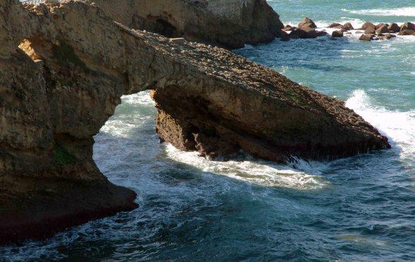 rocher-dans-la-mer